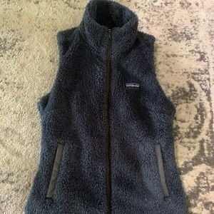 Patagonia hoodie, women x small or kids large.